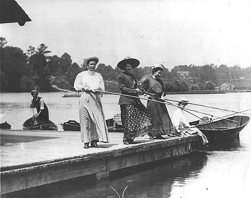 Three Women Fishing - Hook Your Man Spell